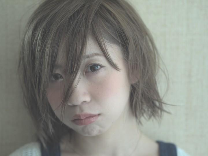 横浜 ohana グレイッシュなセクシーボブで外人カラースタイルに